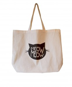 Stofnet maxi tote med fint Meow Meow tryk til 120,-